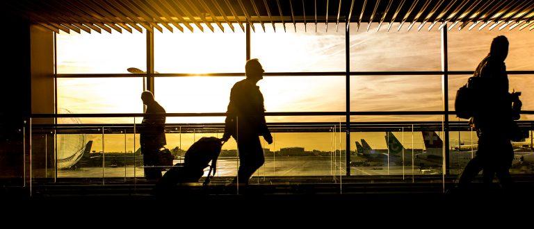 airport-dawn-travelers