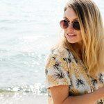 beach-beautiful-woman-traveling