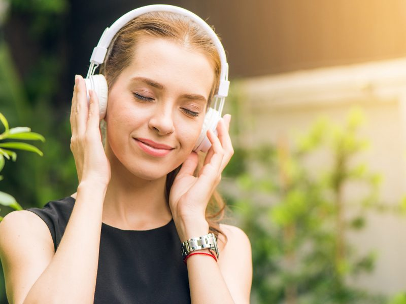 listening-ocean-nature-sounds